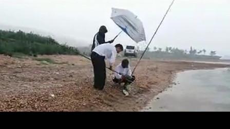 水库寻钓鲤鱼是晴天还是雨天好?看看钓友上鱼的时机就明白了