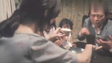 日本母亲做完最后一锅炒饭,直接去世了,孩子们吃得津津有味
