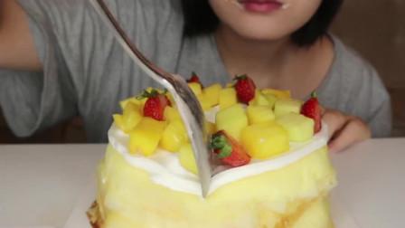 爆浆蛋糕加芒果千层吃播!这高热量小姐姐就是吃不胖太羡慕了