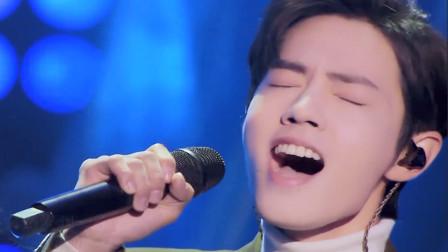 肖战与那英对唱一首《跟着感觉走》,被导师争抢,证明不仅演技好歌声更好听!