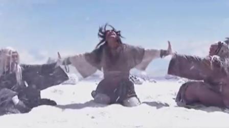 神雕侠侣:欧阳锋和洪七公雪山决战,隔着杨过的身体比拼绝世内力