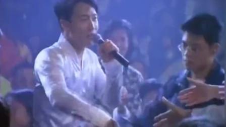 黎明公认的最好听的一首歌!粤语中还夹了几句国语!现场版!