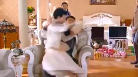 烽火佳人:小夫妻床头吵架床尾和,两人冷战多天,谁料丈夫一个公主抱就搞定