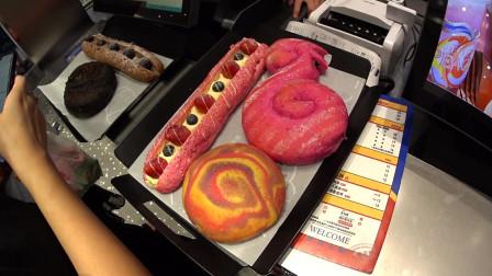 武汉面包店摆30种不同形状面包,最贵一个35元!店里全部都是妹子