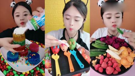漂亮姐姐直播吃果冻、巧克力、果蔬脆,口味任意选