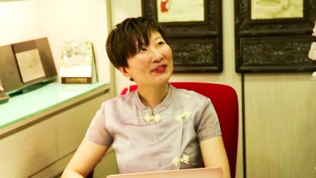 奥利弗游中国 奥利弗来到香港一所语言培训学校,亲身体验语言的独特魅力