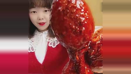美食boom:来个超级无敌爆辣八爪鱼,美女大口吃真带劲,结果被辣到不行,原谅我笑了!