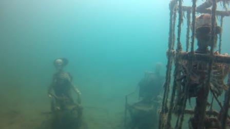 """小伙深海潜水发现一张""""神秘人脸"""",凑近一看,吓得立马叫来警察!"""