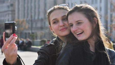 """中国最美的""""混血村"""",长得像外国人,却是地地道道的中国人!"""
