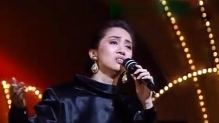 1984年梅艳芳登台献唱《飞跃舞台》,磁性嗓音太迷人,怎么听不够