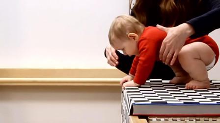 """科学家让婴儿在""""视觉悬崖""""上爬行,这么小的孩子会知道害怕吗?"""