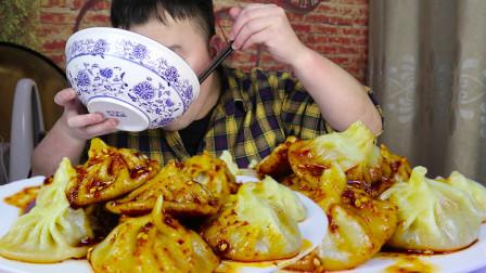 美食猫做一锅灌汤包,浇上油泼辣子醋水,陕西人的早餐佳选