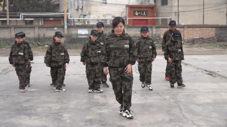 鬼步舞《幺妹》,第7组《双螃蟹步》教学,老师现场教