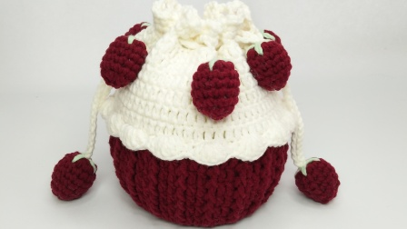 巧琳娃手作-草莓蛋糕包草莓钩针教程