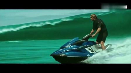 极盗者:小伙挑战终极巨浪, 因为速度稍慢一步, 瞬间被巨浪吞噬!