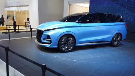 广州车展荣威RX5 eMAX上市,而未来首款MPV更值得关注,样貌很凶-主试角