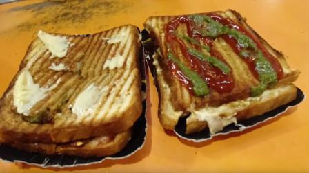 印度美食店,当地的三明治,放了多种调料