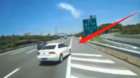 """女司机高速上被""""骚扰""""表示很冤,调取监控后网友:活该!"""