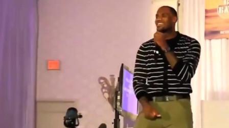 詹姆斯这跳唱什么水平?被篮球耽误的歌手啊,是受韦德影响了吗