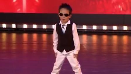 泰国萌娃跳骑马舞,太卖力裤子都掉了!下一秒反应令观众拍手称赞