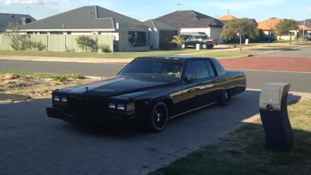凯迪拉克珍藏版,搭载V8引擎,带空气悬挂系统,这车我做梦都想有一辆