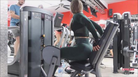 用大腿外展器练侧臀,像俄罗斯小姐姐这种姿势,真的很少见