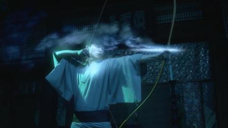 小伙从小在寺庙长大,天生灵力,可破任何妖魔鬼怪!