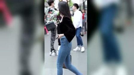 街拍:性感的牛仔裤