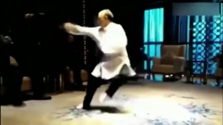 中南海首席保镖程相贤在一次活动中表演的八卦掌!