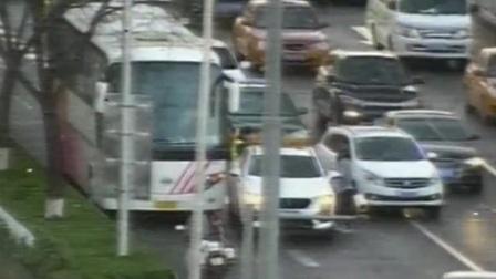 红绿灯 平安行 2019 东直门桥北由南向北 两车事故