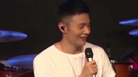 专辑发行遭搪塞 李荣浩质问 想上首新歌这么难吗