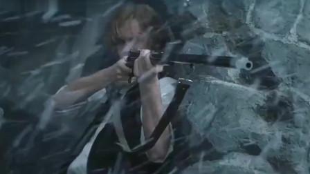 天降奇兵:小伙掌握住开枪的要领,沉住气,一枪打中逃跑的敌人