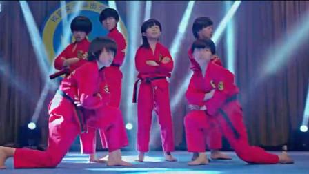 龙拳小子:林秋楠得到表扬,变成了大家的骄傲,表演时间到