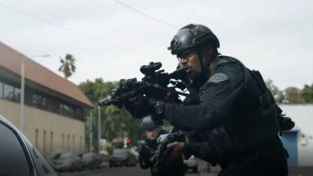 最新警匪力作!特警队携精良装备破门而入,抓获逃跑罪犯