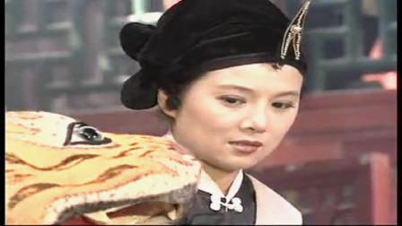 绝色双娇:芊芊家蓉上演水浒新传,武松反被老虎打,真的爆笑