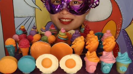 """小姐姐吃创意""""快餐巧克力"""",甜筒、鸡腿、荷包蛋,香滑甜蜜超棒"""