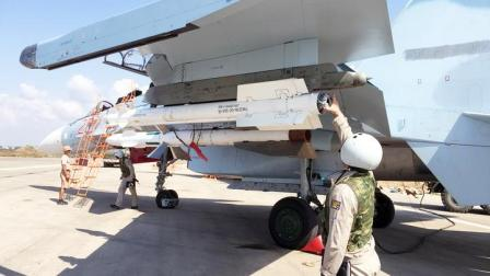 闯下大祸!2名俄军误碰苏30发射按钮,100公斤炸弹砸向自家基地