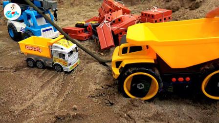 工程车和货车帮助汽车越野车玩具,儿童益智,婴幼儿宝宝玩具过家家游戏视频G667