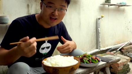 大sao:川味辣椒炒东北熏肠,吃的直喷火,这可真带劲!