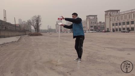 液态气加入5L的水瓶中,威力有多大?小伙自制的水火箭能成功吗