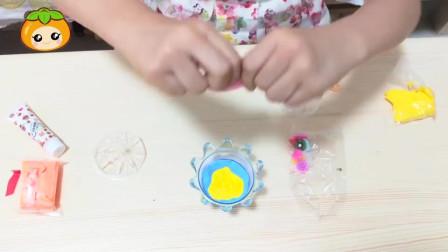 小花朵手工DIY:做蓝莓,桃子口味的皇冠蛋糕,你们喜欢什么口味的蛋糕?