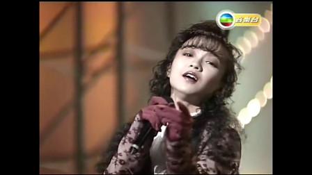 陈慧娴演唱《千千阙歌》,不愧被称为香港公主,造型简直美呆了