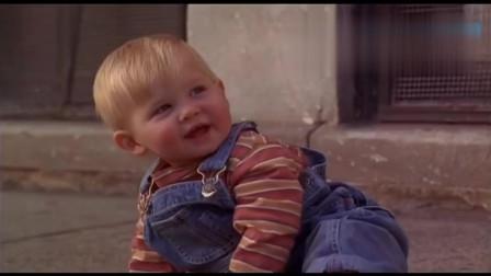 小鬼当街搞笑片段:猪一样的队友,三人为了一个小孩搞到遍体鳞伤