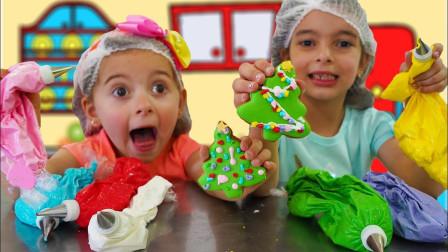 超厉害!萌宝小萝莉和妹妹怎么做出圣诞小饼干呢?谁的更好看?儿童亲子益智趣味手工游戏玩具故事