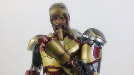 HOTTOYS 钢铁侠3【小张的模玩空间】合金压铸 钢铁侠3 tony stark钢铁侠mk42