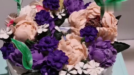 少女系花朵蛋糕,这裱花手艺真是太赞了!