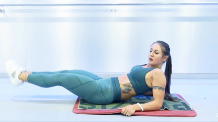 五个仰卧超级虐腹动作,不到四分钟,俄罗斯小姐姐腰都要累断了