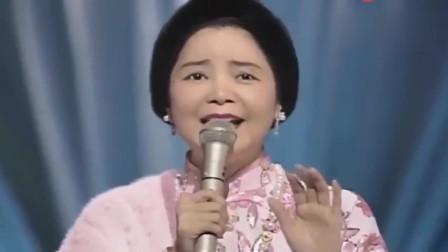 邓丽君最后一次在日本演唱会上演唱《夜来香》,看起来依旧很美