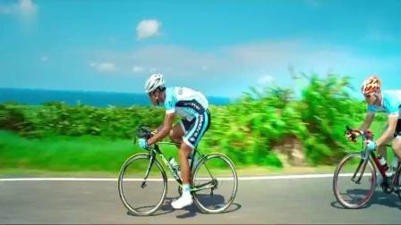 破风:不愧是顶级车手,自行车骑的比汽车还快,这场面谁顶得住!
