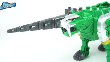 变形金刚玩具变身猎鹰,猛烈进攻怪兽的益智玩具故事